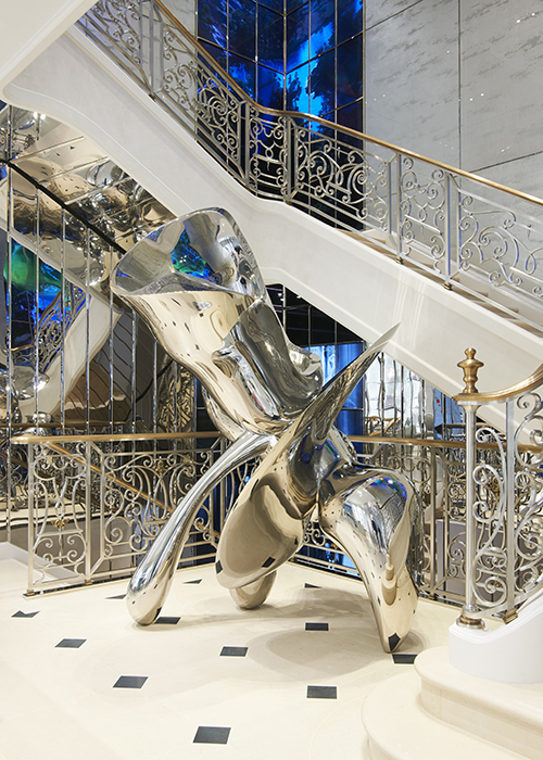 Sculpture by Tony Cragg at The House of Dior boutique